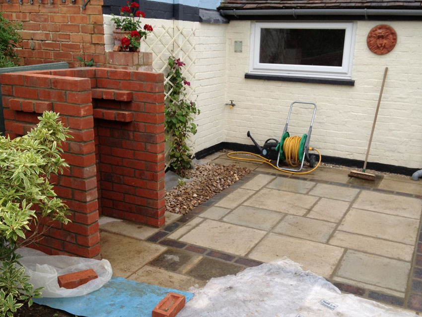 Patio and Barbeque Area - Thame
